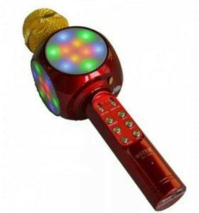 Светящиеся микрофоны караоке.