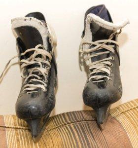 Коньки профессиональные хоккейные