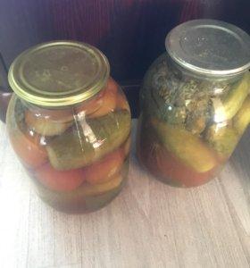 Маринованные домашние помидоры и огурцы 3 л