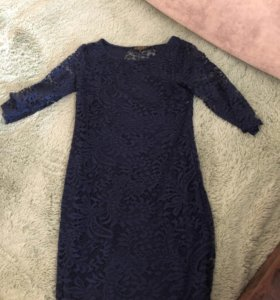 Платье гипюр новое 42 размер синее