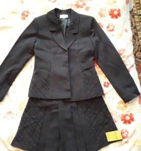 Школьная форма. Пиджак с юбкой.