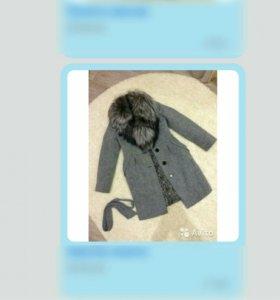 Зимнее шерстяное пальто с чернобуркой