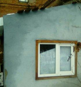 Два окна и дверь входная