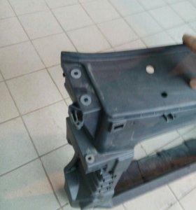Фольксваген кади рамка радиатора телевизор оригина