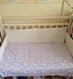 Кроватка детская , бортики, матрац ортопедический