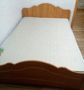 Двуспальная кровать+матрас