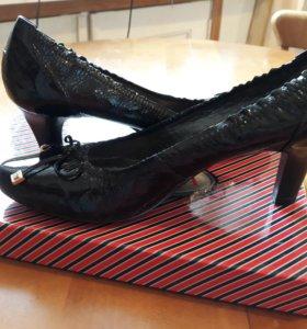 Туфли лакированные Tervolina (новые)