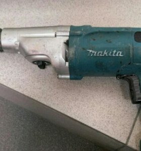 Дрель ударная Makita HP2050