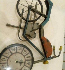Часы мотоцикл рэтро большие