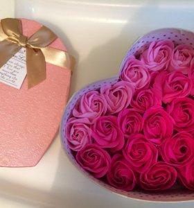 Лепестки роз(мыло для ванны)