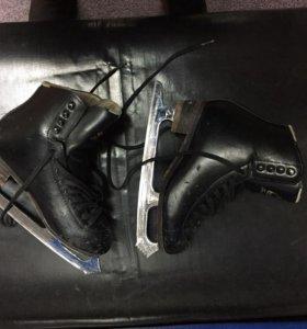 Фигурные коньки Jackson Freestyle черные