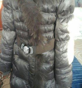 Курточка зимняя, в хорошем состоянии.