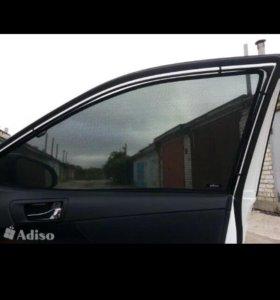 Передние шторы на клипсах тойота авенсис 2 новые