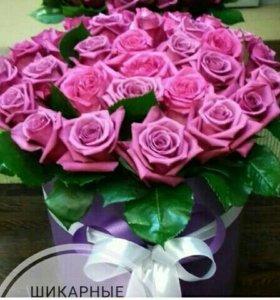 Шляпная коробочка +25 ЭКВАДОРСКИХ роз