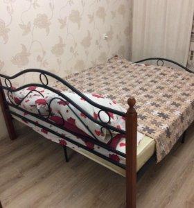 Кровать с матрасом, двуспальная