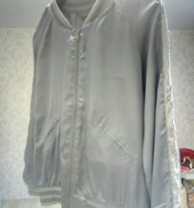 Куртка бомбер.