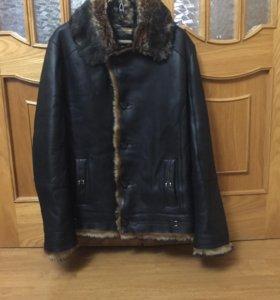 Отличная кожана зимняя куртка с натуральным мехом