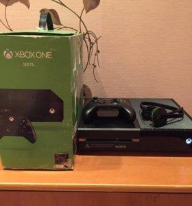 Xbox One +игра Tom Raider