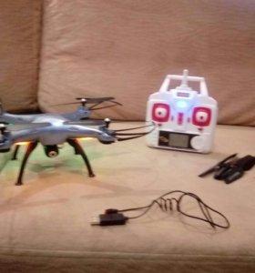 Квадрокоптер с камерой.