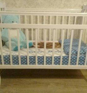 Продается кроватка вместе с матрасом