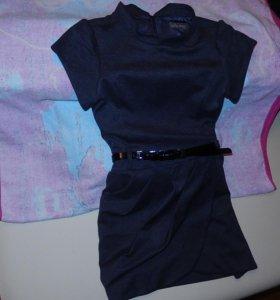 Платье импортное с ремешком, для школы самое то.