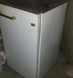 Холодильник САРАТОВ модель1209