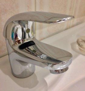 Смеситель для раковины в ванной комнате GRONE