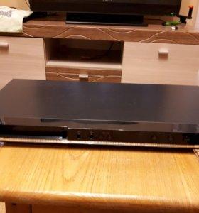 лазерный видеопроигрыватель DVD-плеер