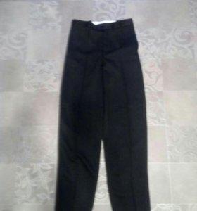 Новые брюки на стройного юношу