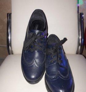 Ботинки женские р-р 39