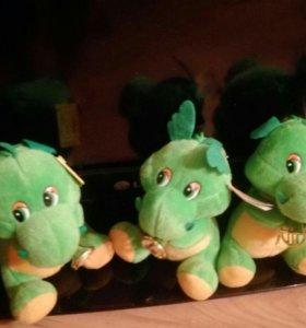 Мягкие говорящие динозаврики