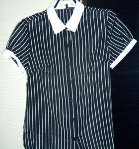 Черно-белая женская блузка с коротким рукавом