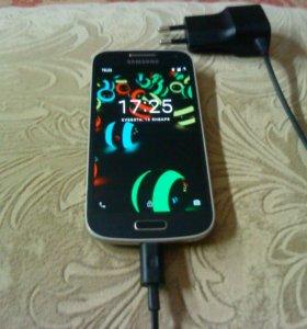 Смартфон SAMSUNG GALAXI S 4 мини