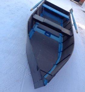 Лодка (под мотор)