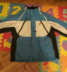 Сноубордическая горнолыжная куртка б/у