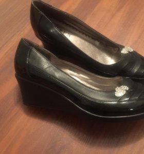 Туфли, босоножки 38 р