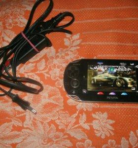PS Vita 8Gb + 2 игры, по 3.67