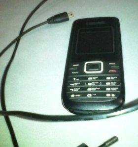 Телефон на одну симку с зарядкой