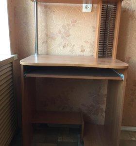Стол для компьютера (ПК)