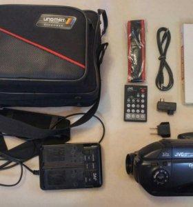 Видеокамера JVC GR-AX66E