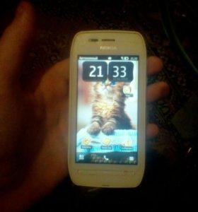 Телефон Nokia 603 в хорошем состоянии