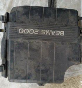Корпус воздушного фильтра toyota mark 2 GX110