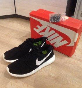 Кроссовки Nike Rosherun
