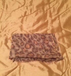 Легкий леопардовый шарф