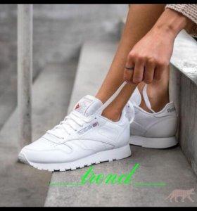 Новые женские кроссовки Reebok