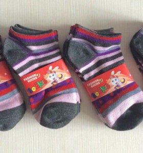 Новые носки 18 см , на 7-8 лет