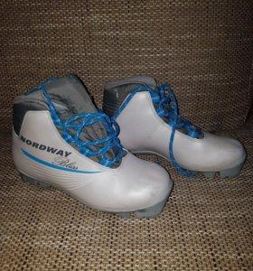 Лыжные ботинки б/у р.36