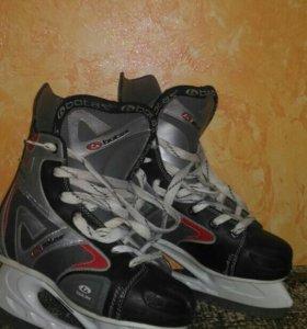 Коньки хоккейные р-р 40