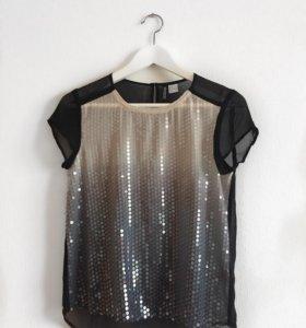 Блуза черная с пайетками HM