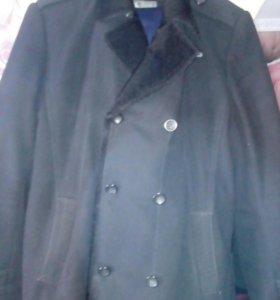Продаю пальто  54 размер